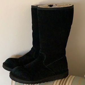 Ugg Black Tall Boot -  Excellent Condition sz 6